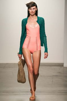 See all the Collection photos from A Detacher Spring/Summer 2015 Ready-To-Wear now on British Vogue Spring Fashion, High Fashion, Fashion Show, Womens Fashion, Female Fashion, French Fashion, Trend Council, 2015 Fashion Trends, Fashion Lookbook