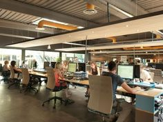 Open office concept - Design Tips - Interior design ideas Corporate Office Design, Open Office Design, Corporate Interiors, Office Interior Design, Office Interiors, Open Space Office, Bureau Open Space, Office Workspace, Small Office