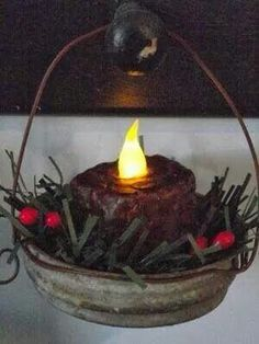 Country Mom at Home - Prim Hanging Tea Light Ornaments: I would never have thought of this. she mixed some cinnamon into some melted wax and covered the battery tea light to make it look more realistic. Love this idea! Canning Lids, Mason Jar Lids, Mason Jar Crafts, Jar Lid Crafts, Christmas Projects, Holiday Crafts, Fall Crafts, Hanging Tea Lights, Prim Christmas