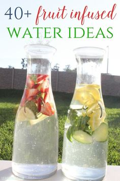 40+ Fruit Infused Water Ideas- perfect for the spring and summer months. Plus great health benefits! Infused Water Recipes, Fruit Infused Water, Fruit Water, Infused Waters, Digestive Detox, Body Detoxification, Cleanse Program, Lemon Diet, Types Of Fruit