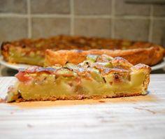 Een smeuïge rabarber taart, erg makkelijk klaar te maken en super lekker.