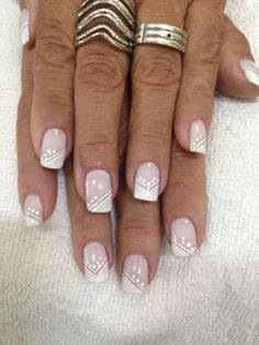 Glitter Tip Nails with Gold Striping Elegant Nails, Classy Nails, Stylish Nails, Fancy Nails, French Manicure Designs, Acrylic Nail Designs, Nail Art Designs, Acrylic Nails, Nail Art Stripes