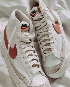 Dr Shoes, Cute Nike Shoes, Swag Shoes, Nike Air Shoes, Hype Shoes, Me Too Shoes, Nike Sneakers, Jordan Shoes Girls, Girls Shoes