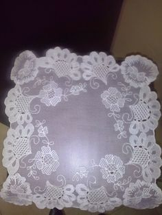 pañuelo bordado en tul