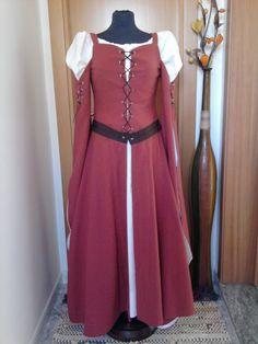 Medieval dress abito medievale
