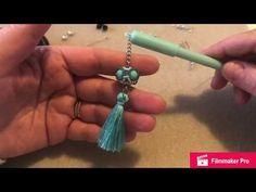 Tutorial Reginella orecchini / charm / portachiavi / segnalibri - YouTube Tutorial, Bead Weaving, Drop Earrings, Make It Yourself, Beads, Youtube, Necklaces, Instagram, Creative Art