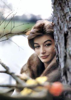 Anouk Aimée | Anouk AIMEE pictures (part 2) photos de 1960 (manteau fourrure) et ...