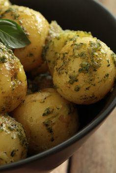 Pommes de terre primeur au pesto