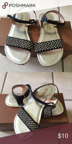 Black Sparkly Sandals for Girls Black Sparkly Sandals for Girls. Great Condition!!! Pazitos Shoes Sandals & Flip Flops
