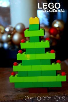 Our Lego Christmas tree is VERY loosely based on the Extended Line: LEGO X-Mas Tree: B1 40002.