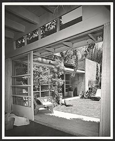 SHULMAN, JULIUS (1910-2009) [Schindler House, 835 North Kings Road, West Hollywood, CA. 1953. Rudolph M. Schindler architect].