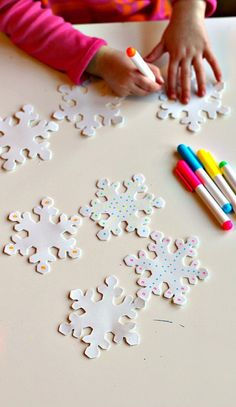 fine motor activities Preschool Learning https://www.amazon.com/Kingseye-Painting-Education-Cognitive-Colouring/dp/B075C661CM