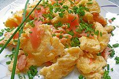 Rührei mit Räucherlachs, ein sehr schönes Rezept aus der Kategorie Frühstück. Bewertungen: 94. Durchschnitt: Ø 4,4.