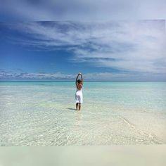 No news, no shoes  Photo credit: @nika_skazka  #Maldives #indianocean #islandlife #beach #sand #vacation #getaway #bucketlist