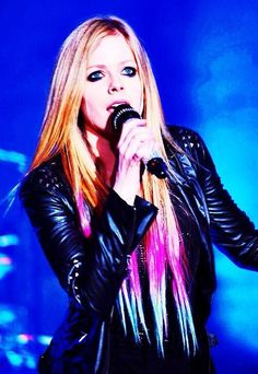 2 days till the North American leg of #TheAvrilLavigneTour starts! Get your ticket here: http://avrillavigne.com/events