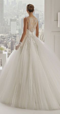 Ball Gown Wedding Dresses : Gorgeous Heavy Wedding Gown Designs (9)