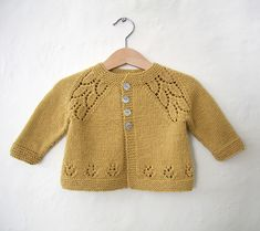 Discover thousands of images about Cozy Baby Cardigan … Baby Cardigan Knitting Pattern, Crochet Baby Cardigan, Baby Knitting Patterns, Knitting Designs, Booties Crochet, Crochet Hats, Girls Sweaters, Baby Sweaters, Baby Outfits