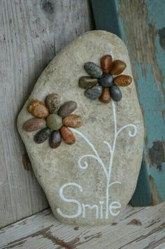garden art Lake Huron art, rock art, pebble art, g - Pebble Painting, Pebble Art, Stone Painting, Pebble Stone, Rock Painting, Rock Flowers, Flowers Garden, Rock And Pebbles, Deco Originale
