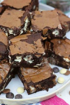 Triple Chocolate Brownies - Back to Basics - Jane's Patisserie Tray Bake Recipes, Brownie Recipes, Chocolate Recipes, Baking Recipes, Dessert Recipes, Bar Recipes, Baking Ideas, Cupcake Recipes, Dessert Ideas