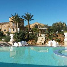 Good morning!! #buonagiornata #borgodegliangeli #piscinadellerose #sole #resort #relax