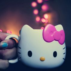 This Hello Kitty Cup - One of my purchases at Sanrio Roma in 2001 Hello Kitty Mug, Hello Kitty Items, Sanrio, Hello Kitty Imagenes, Miss Kitty, Hello Kitty Collection, Little Twin Stars, Cute Mugs, Cat Gifts