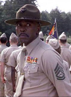 """Today in Black History, - Louis Gossett, Jr. won the 1982 Oscar for Best Supporting Actor for his role in """"An Officer and a Gentleman,"""" making him the first black male to win an Oscar in a supporting role. For more info, check out today's notes! Today In Black History, Black History Month, I Movie, Movie Stars, 80s Movies, Louis Gossett Jr, An Officer And A Gentleman, Famous Black, Famous Men"""