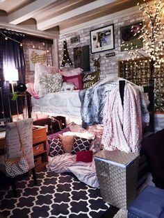target dorm room   1000+ ideas about Target Dorm on Pinterest   Dorm Rooms, Upholstered ...