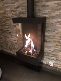 Home - Wanders fires & stoves Indoor Gas Fireplace, Home Fireplace, Fireplace Remodel, Brick Fireplace, Fireplace Design, Fireplaces, Modern Log Burners, Small Wood Burning Stove, Three Season Room