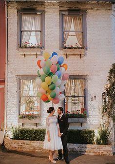 Mini wedding na Casinha Quintal inspirado no filme Up! Altas Aventuras. Foto A Essência – Fotografia do Bem