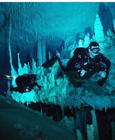 Photograph by Ryan DeSpain; from National Geographic; Cave diving in the Nohoch Nah Chich part of Sistema Sac Actun along the Riviera Maya, Mexico (been here too, smh) Cave Diving, Scuba Diving, Underground Caves, Travel Videos, Live Long, Riviera Maya, Snorkeling, National Geographic, Underwater