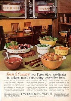 Town and Country Version 1 contained an interesting mix of solid colored bowls and patterned bowls in an orange and brown pattern.