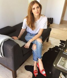 Shop the latest Chiara Ferragni collection on the official site. Casual Street Style, Street Style Summer, Casual Chic, Cool Summer Outfits, Cool Outfits, Fashion Outfits, Zara, Chiara Ferragni Collection, Chiara Ferragni Shoes