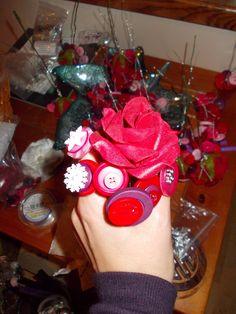 Beginnings of wedding button bouquet Button Bouquet, Table Centerpieces, Wedding Bouquets, Raspberry, Spring, Table Centers, Center Pieces, Bridal Bouquets, Wedding Brooch Bouquets