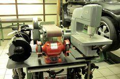 Densely packed tools are still fully useable. Workshop Organization, Garage Organization, Garage Storage, Workshop Layout, Garage Workshop, Garage Pictures, Two Car Garage, Garage Design, Work Spaces