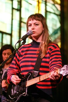 Angel Olsen - Originally from St. Louis currently residing in Asheville, NC. Music Love, Music Is Life, Pretty People, Beautiful People, Hot Red Lipstick, Angel Olsen, Baby Bangs, Smooth Jazz, Aesthetic Beauty