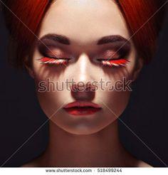 stock-photo-beautiful-woman-face-perfect-makeup-beauty-fashion-eyelashes-cosmetic-eyeshadow-518499244.jpg (450×470)