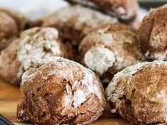 Norwegian Food, Norwegian Recipes, Biscuit Cookies, Bread Rolls, Diy Food, Bread Recipes, Food To Make, Brunch, Food And Drink