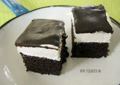 Ez a recept, picit eltér a blogon található néger szelet elkészítésétől. Mindkét recept mutatós és finom, habos édesség.