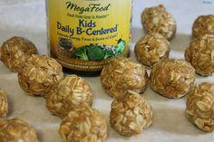 MegaFood Nutrient Booster Powders are an easy way to get kiddos their vitamins. #sp #megafood #momsmeet