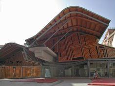 Mercado de Santa Caterina in Barcelona designed by EMBT (Enrique Miralles & Benedetta Tagliabue).