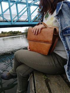 Minimalist Bags - My Minimalist Living Real Leather, Brown Leather, Leather Backpack, Leather Bag, Minimalist Bag, Antique Shops, Shoulder Purse, Vintage Bag, Crossbody Bag