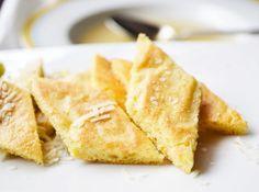 Das Rezept von den #Parmesanschöberl schmecken köstlich in einer kräftigen Rindersuppe.