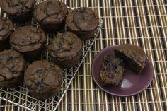 I'm not into this paleo thing very much, but these look good. Nut-free, Coconut-free Paleo Blueberry Muffins (Basic Muffin Recipe) - The Paleo Mom Paleo Sweets, Paleo Dessert, Gluten Free Desserts, Dessert Recipes, Healthy Desserts, Paleo Blueberry Muffins, Blue Berry Muffins, Flourless Muffins, Zucchini Muffins