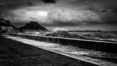 The surge by Darren Kelland Hotshoe.org
