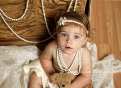 1 year old photos, baby girl pose, Pam Noland Photography