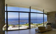 Luxueuse maison avec vue imprenable sur l'océan Pacifique depuis son emplacement privilégié