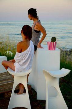 Piękne, nowoczesne o innowacyjnej formie stołki barowe Koncordhttp://outlabsklep.pl/Koncord-Stolek-barowy-Hoker-Slide-Matowy