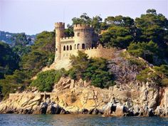 Costa Brava - interesting facts about magical and wild pearl of Spanish coast. Winter Travel, Summer Travel, Best European Road Trips, Northern Lights Trips, Photos Hd, Costa, Cheap Holiday, World Heritage Sites, Best Hotels