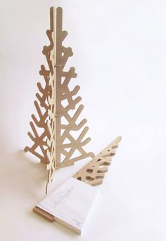 5 Affluent Cool Tricks: Minimalist Decor Wood Inspiration minimalist living room small tiny homes.Minimalist Bedroom Storage Shoe Racks minimalist home decoration apartment therapy. Minimalist Christmas Tree, Cool Christmas Trees, Christmas Tree Design, Modern Christmas, Xmas Tree, Christmas Decorations, Minimalist Bedroom Small, Minimalist Interior, Minimalist Decor