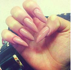 Pointy nails-- YES OMFG WANT DROOLING SO BAD OMFG